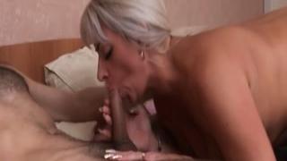 Голая женщина 50 лет трахается с любовником дома